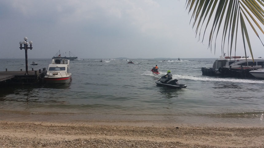 Explore The Sea Using Jet Ski!